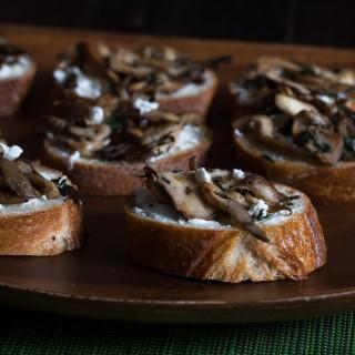 Mushroom Goat Cheese Toasts // OakhurstKitchen.com